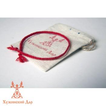 Хужинский браслет из красной нити